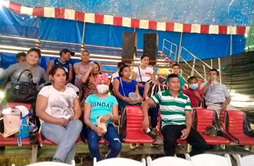 niños con cancer disfrutan del circo hermanos segovianos